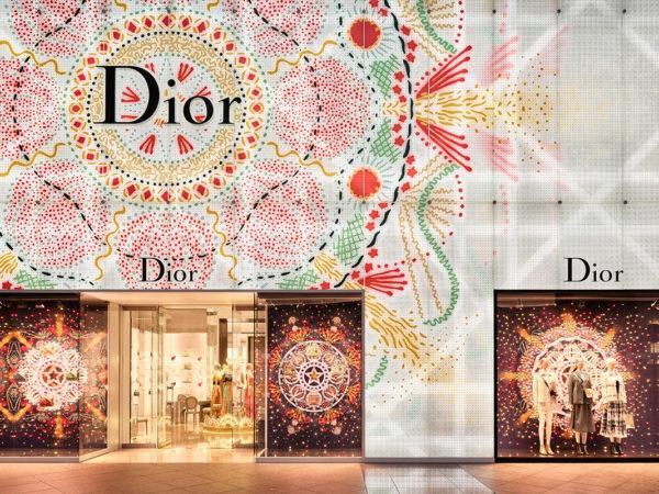 Дизайн & Декор: рождественские декорации бутиков Dior — оливковое дерево и бабочки
