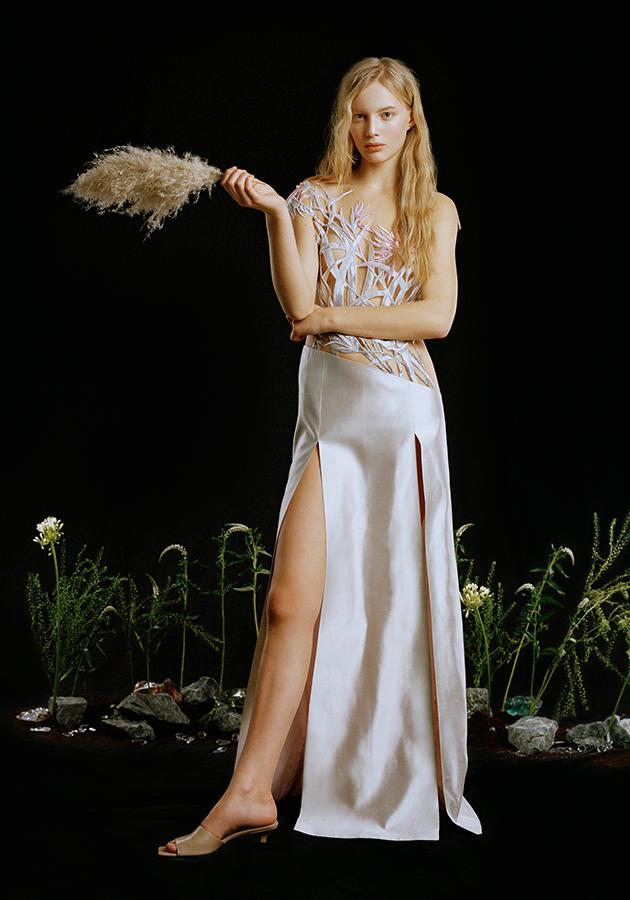 Сарафаны, рубахи и вышивка — коллекция Yanina Couture весна-лето 2021