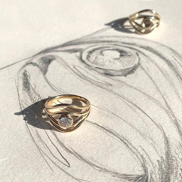De Beers и независимые ювелиры выпустили коллекцию помолвочных колец
