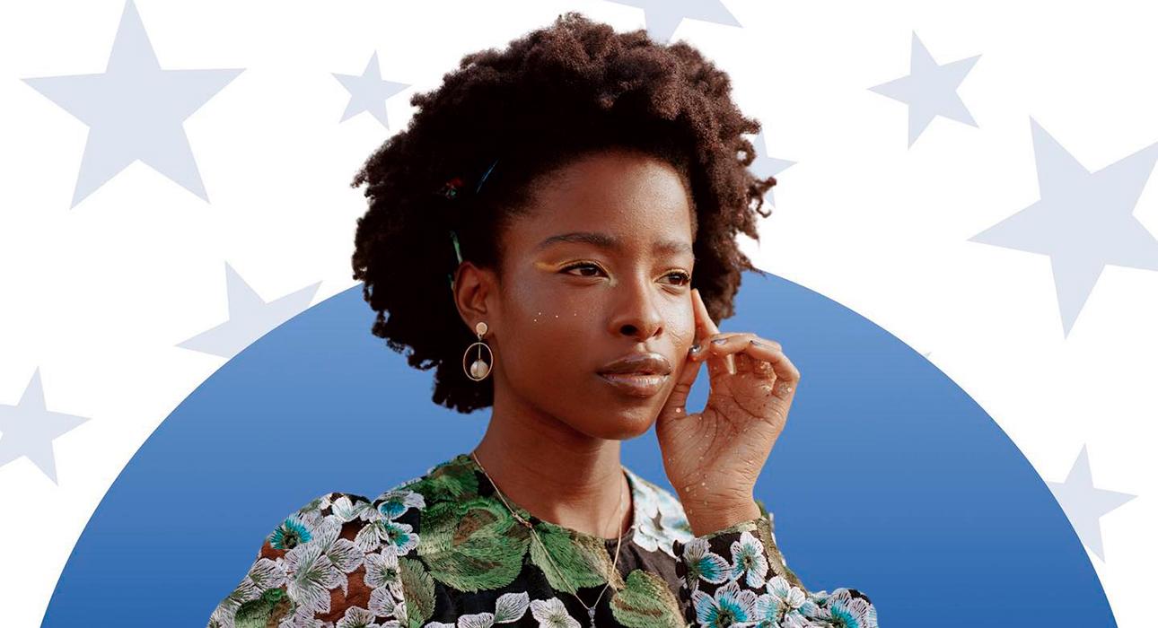 «Страданья не лишили нас надежды»: кто такая Аманда Горман, темнокожая активистка и поэтесса