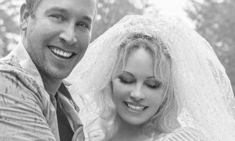 Памела Андерсон вышла замуж в пятый раз и закрыла Instagram-аккаунт