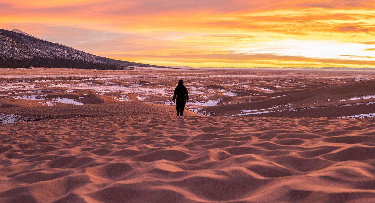 Фото дня: заснеженная пустыня на территории Алжира и Марокко