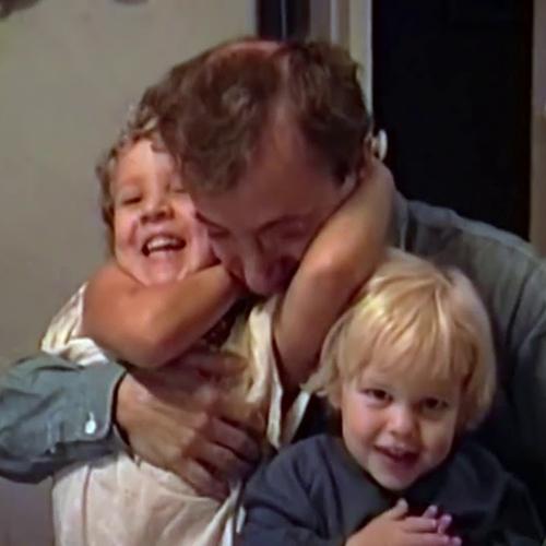 Видео дня: трейлер документального сериала HBO о конфликте Вуди Аллена и Мии Фэрроу