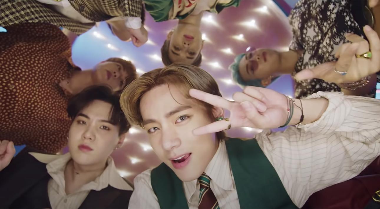 Видео дня: клип корейской кей-поп-группы BTS на песню Dynamite установил мировой рекорд по числу зрителей