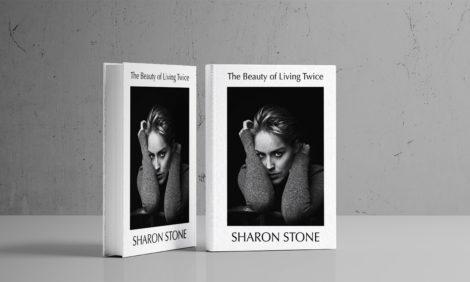 «Женщина должна знать себе цену»: Шэрон Стоун — 63 года