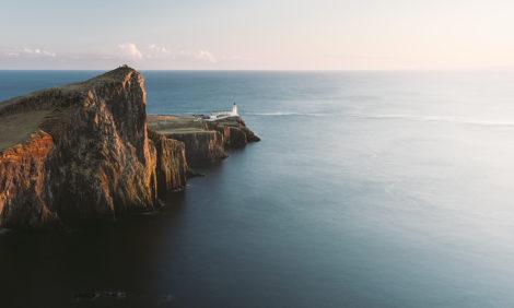 TravelБизнес: экозаправка в Шотландии, отель в Версале и ошибка Ангелы Меркель