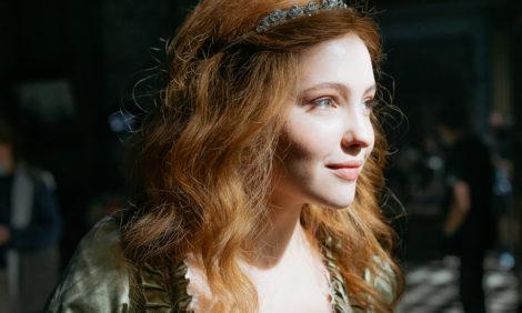 #PostaСериалы: Юлия Хлынина сыграет молодую Елизавету в сериале Дмитрия Иосифова