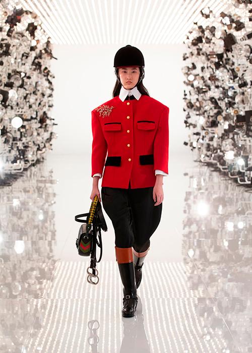 Показ коллекции Gucci осень 2021 — цитаты из Balenciaga и подготовка к празднованию столетия бренда