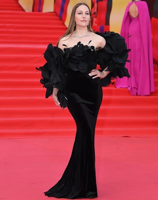 Мерьем Узерли (в платье Yanina Couture и украшениях Chopard)