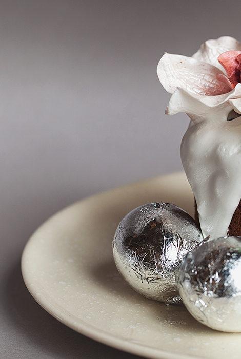 Едим не дома: пасхальные яйца-десерты Sartoria Lamberti, Вербное воскресенье в Buono и итальянские панеттоне