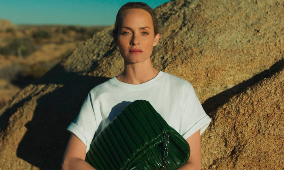 Women in power: Эмбер Валлетта создала экосумки для Karl Lagerfeld