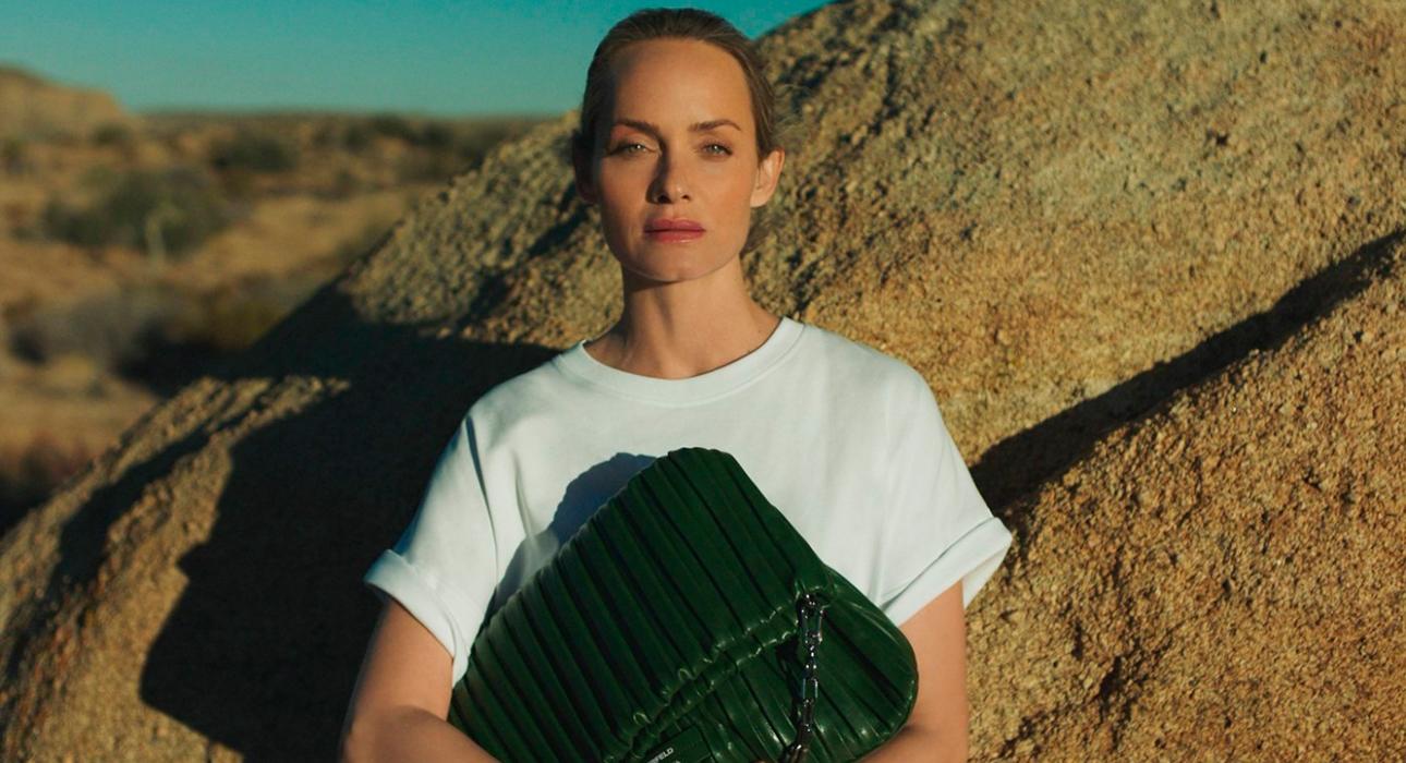 Women in power: Эмбер Валлетта сделала экосумки для Karl Lagerfeld