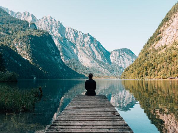 Качество жизни: Татьяна Азатян — о пользе трансцендентальной медитации, которую выбирают звезды Голливуда