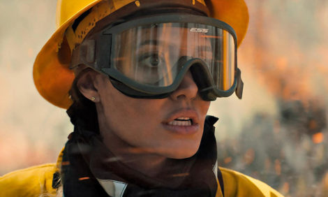 Анджелина Джоли — в триллере «Те, кто желает мне смерти»