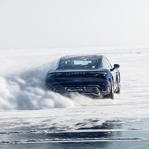 Авто с Яном Коомансом: c Porsche Taycan и друзьями — на Байкал