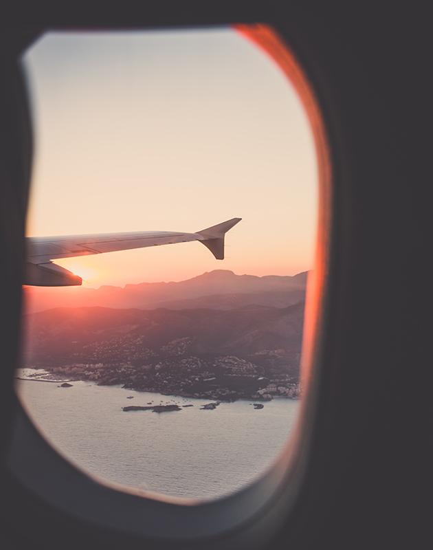 TravelБизнес: пять стран открыли воздушные границы, самый большой бассейн на Крите и новая достопримечательность Нью-Йорка