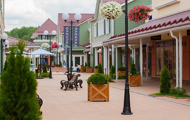 Город: в аутлетах Vnukovo Outlet Village и Novaya Outlet Village открылись летние веранды