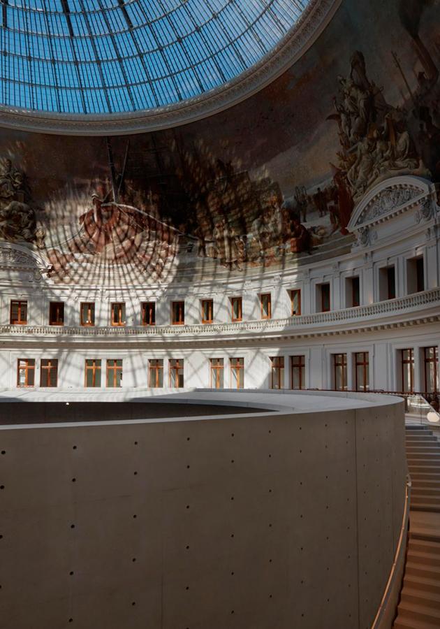 В Париже открывается музей Франсуа Пино — в здании обновленной торговой биржи