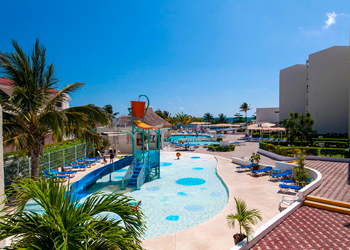 Aquamarina Beach Hotel Cancun