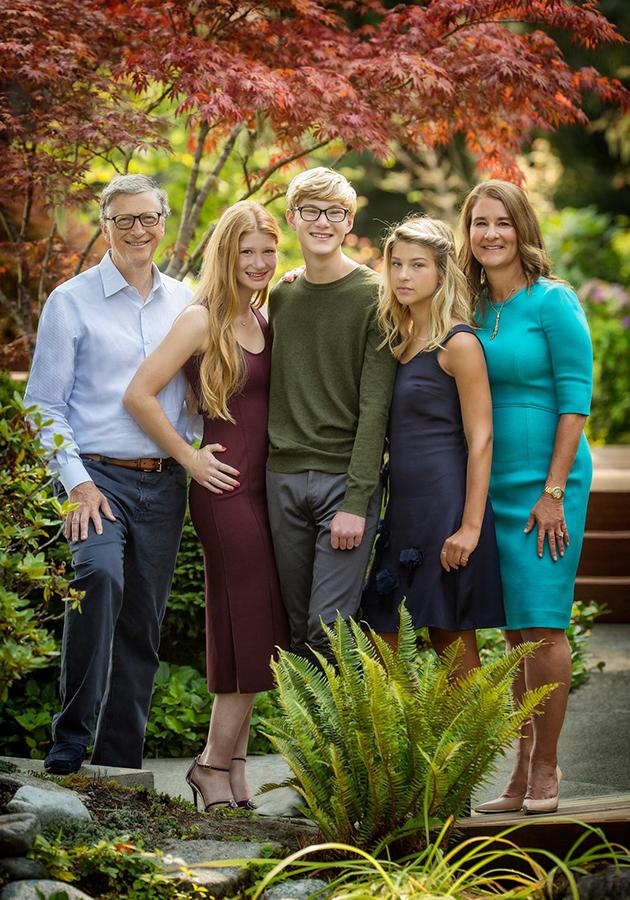 Билл и Мелинда Гейтс и трое детей: Дженнифер, Рори и Фиби