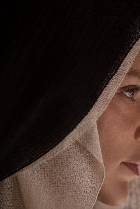 Видео дня: трейлер «Непорочной девы» Пола Верховена