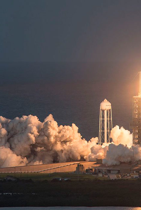 Кто больше? Компания Джеффа Безоса выставит билет в космос на онлайн-аукцион