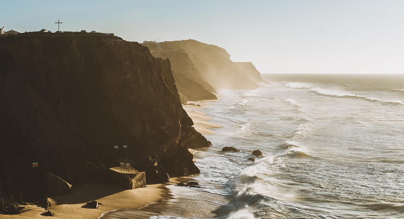 TravelБизнес: новый налог для туристов, дом в Италии за 1 евро и чудо-мост в Португалии