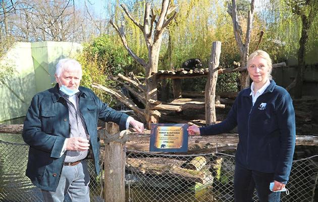 Хорст Эшлер подарил зоопарку города Мюнстера сертификат на 750 тысяч евро