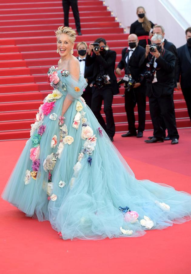 Шэрон Стоун в платье Dolce & Gabbana и украшениях Chopard