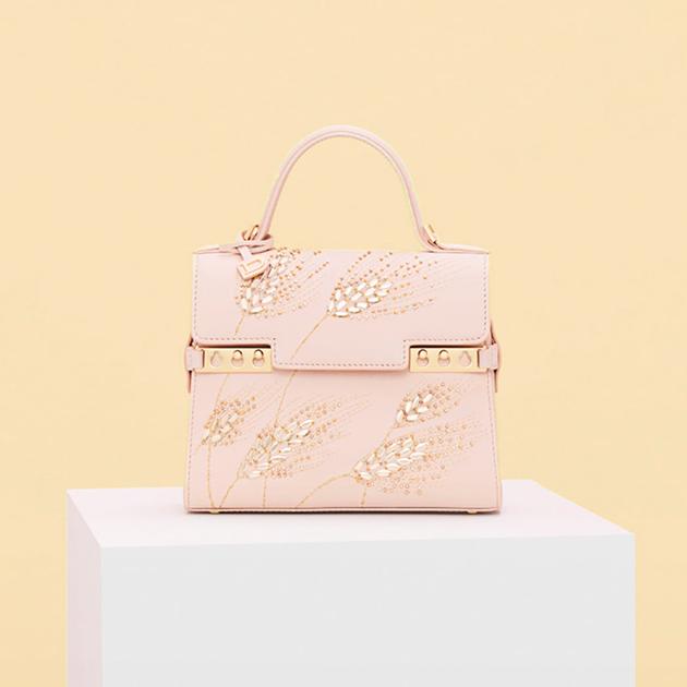 Business & Fashion: Richemont приобрела культовый бренд сумок Delvaux из Бельгии — что известно?