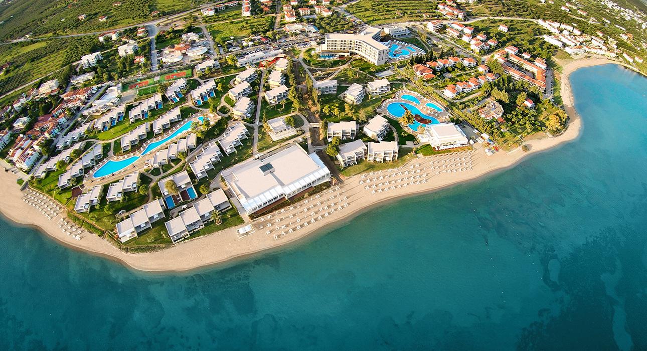 По результатам премии Marie Claire UK Sustainability Awards 2021 курорт Sani Resort был удостоен награды «Лучший экологичный отель»