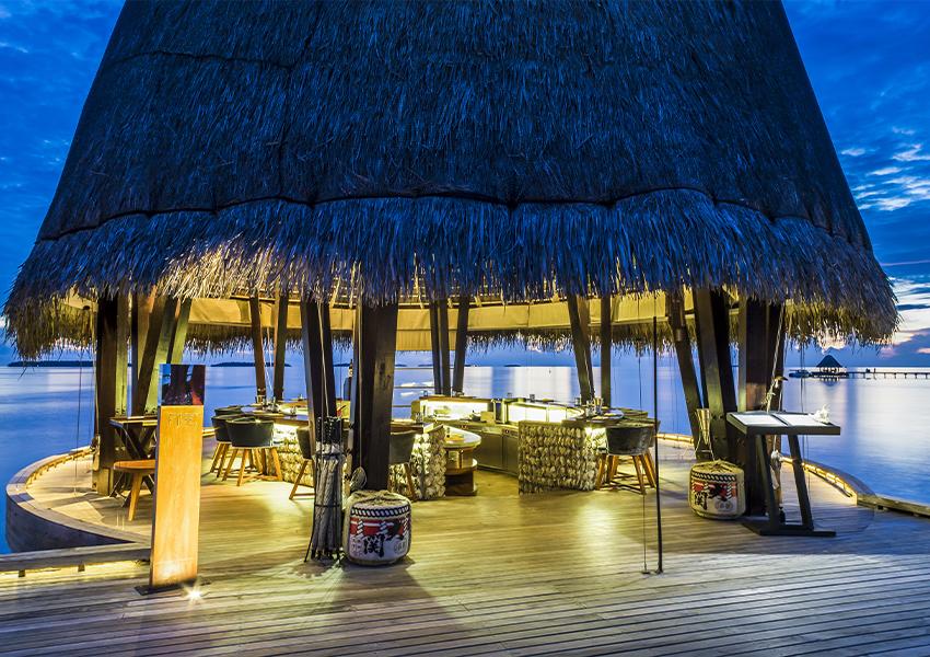 Anantara Kihavah Maldives Villas и Niyama Private Islands Maldives