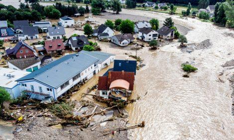 Eco Living: пожары в Якутии, наводнения в Западной Европе — хроника катастроф
