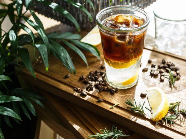 Лето в кофейной чашке: как готовить и пить эспрессо-тоник