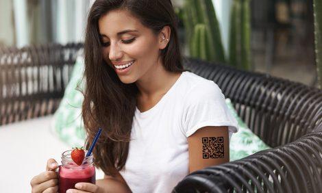 Город: временная тату с QR-кодом для входа в ресторан — отличная идея?