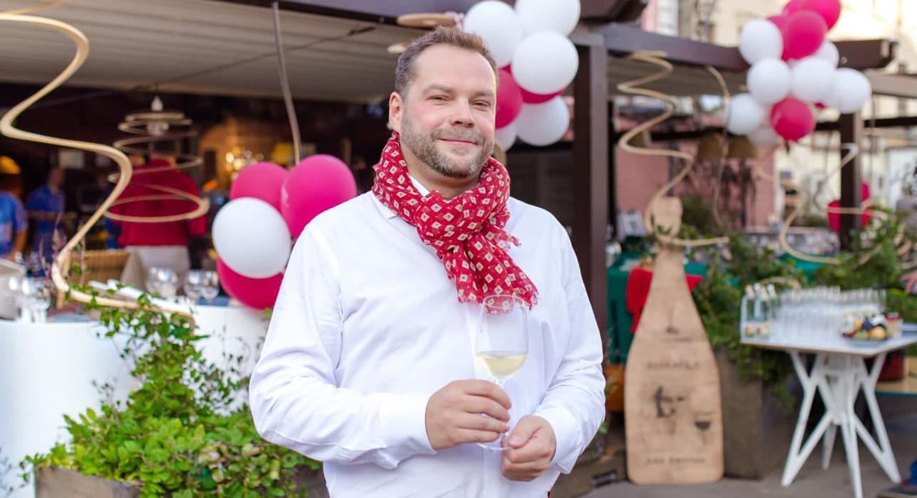 Влад Волков, амбассадор Riesling Weeks 2021: о гастрономическом спецназе, винах-долгожителях и хамелеоне
