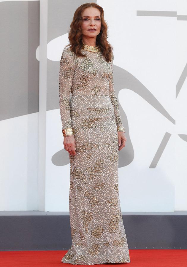 Изабель Юппер в платье Armani Privé и украшениях Cartier