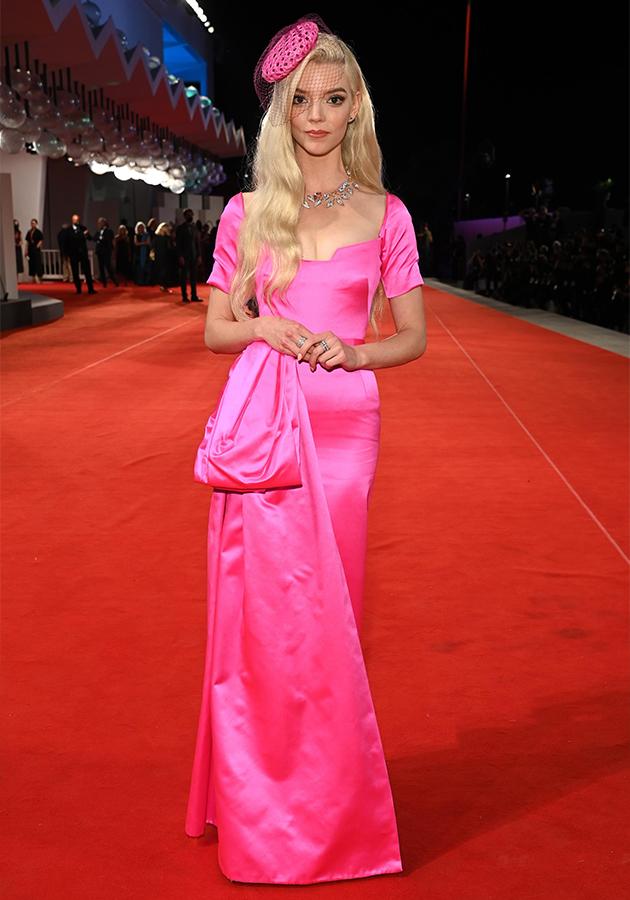 Анна Тейлор-Джой в платье Dior Haute Couture