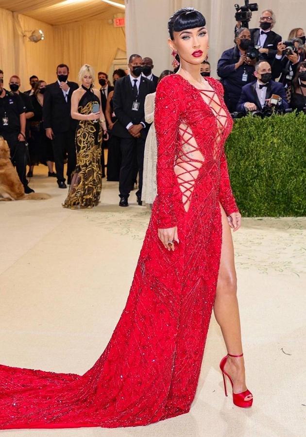 Меган Фокс в платье Dundas