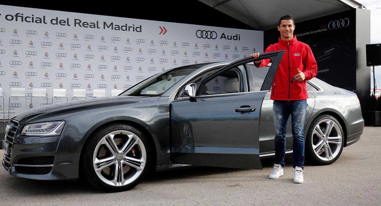 Авто: кто из звезд мировой величины выбирает Audi RS