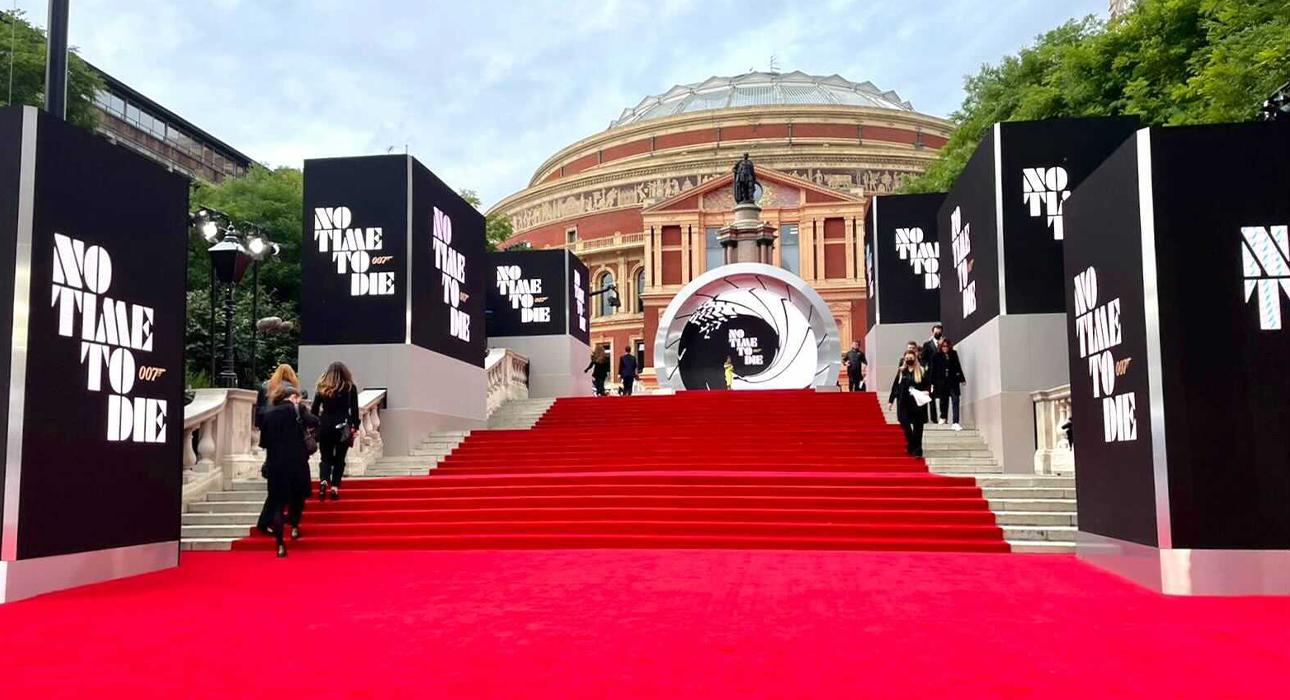 Кейт Миддлтон, Дэниел Крейг и Ана де Армас на премьере нового фильма бондианы «Не время умирать»