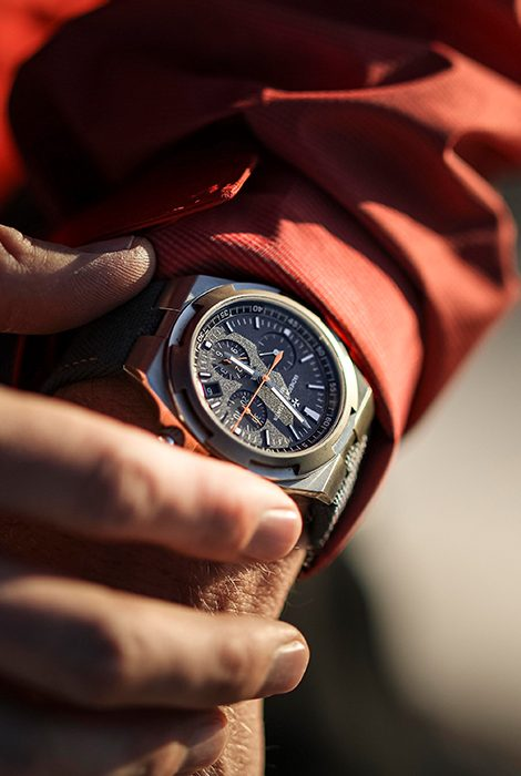 Overseas Everest: новые часы Vacheron Constantin вточности повторяют модель, вкоторой исследователь Кори Ричардс покорил Эверест