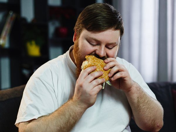 PostaНаука: лишний вес несвязан сперееданием— дело врационе