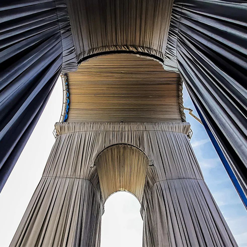 «Триумфальная арка. В обертке»: проект Христо Явашева реализовали в Париже