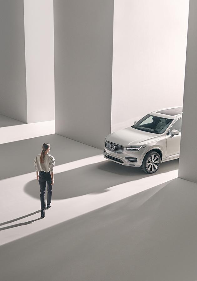 Автомобиль по подписке: гибридный Volvo XC90 Recharge
