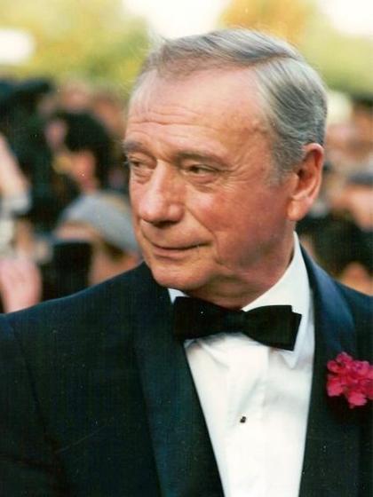 Ив Монтан на фестивале в Каннах, 1987 г.