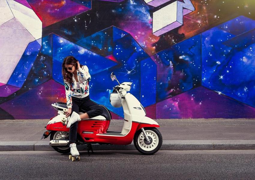 PostaАвто: экоинициативы Volvo, новая коллекция Mercedes-AMG Petronas F1 от Puma и флагманский магазин Peugeot Motocycles в России