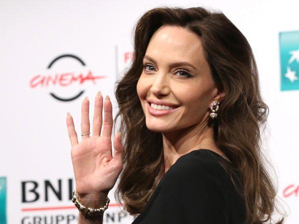Фотоувеличение: образ Анджелины Джоли на16-м Римском кинофестивале