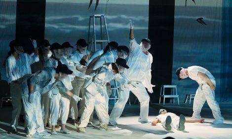 «Чайка поимени...»: спектакль помотивам повести-притчи Ричарда Баха насцене Московского Губернского театра