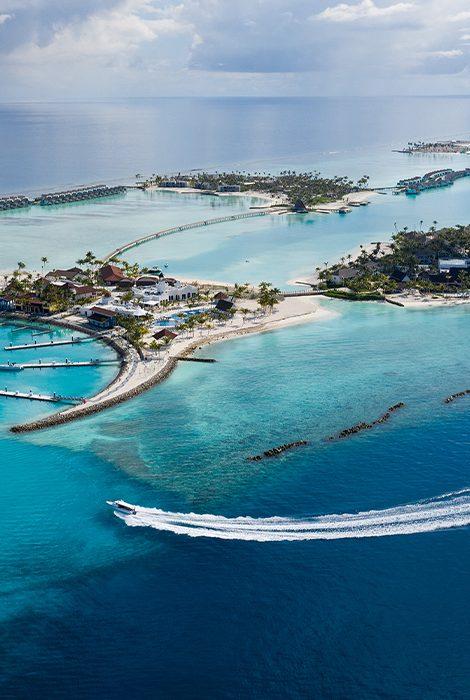 Crossroads Maldives— Мальдивы для тех, кто жить торопится ичувствовать спешит